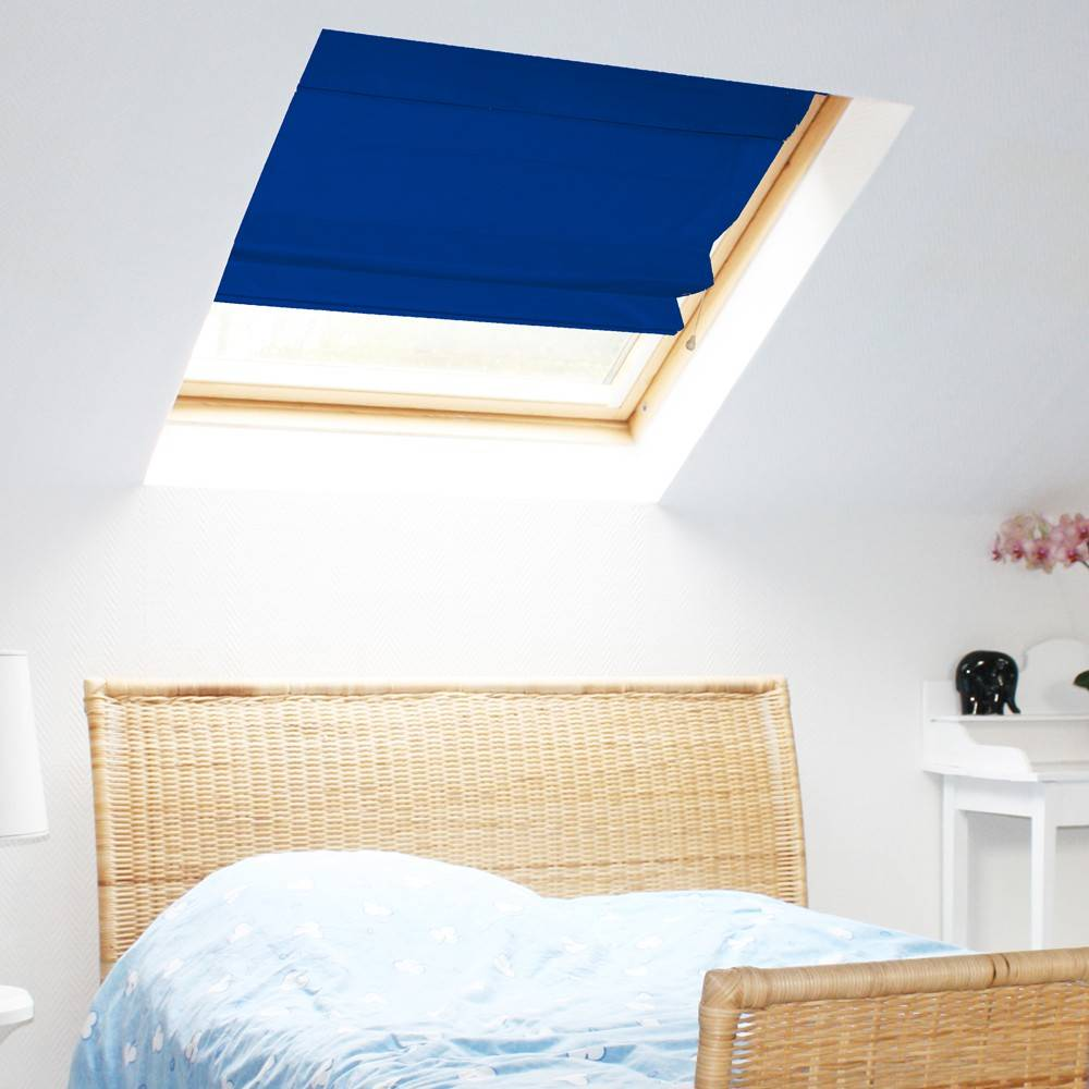 store bateau occultant bleu marine compatible velux. Black Bedroom Furniture Sets. Home Design Ideas